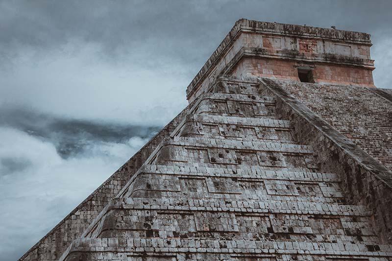 Foto: Schon die alten Mayas haben die Tabakpflanze für ihre Rituale und Medizinische Zwecke genutzt.